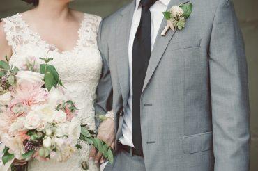 blush and white wedding flowers