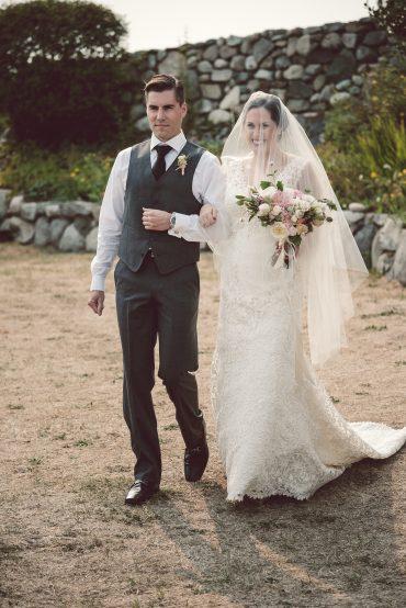 bride and romantic bridal bouquet