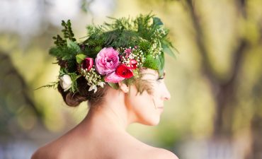 Bridal flower crown with fern, ranunculus, anemone
