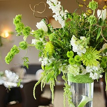 green and white elevated centerpiece