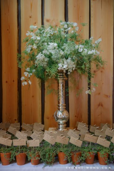 Elevated centerpiece with Queen Anne's Lace and Sweet Peas | Tobey Nelson Events and Design image by Yvonne Wong