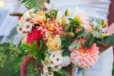 Dahlia, Rose, Sedum and Phlox are fall flowers for wedding bouquet