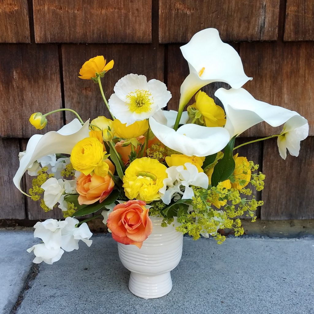 Summer flower arrangement for flower delivery