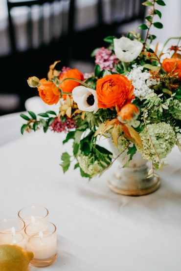 Spring centerpiece | Floral design by Tobey Nelson Events
