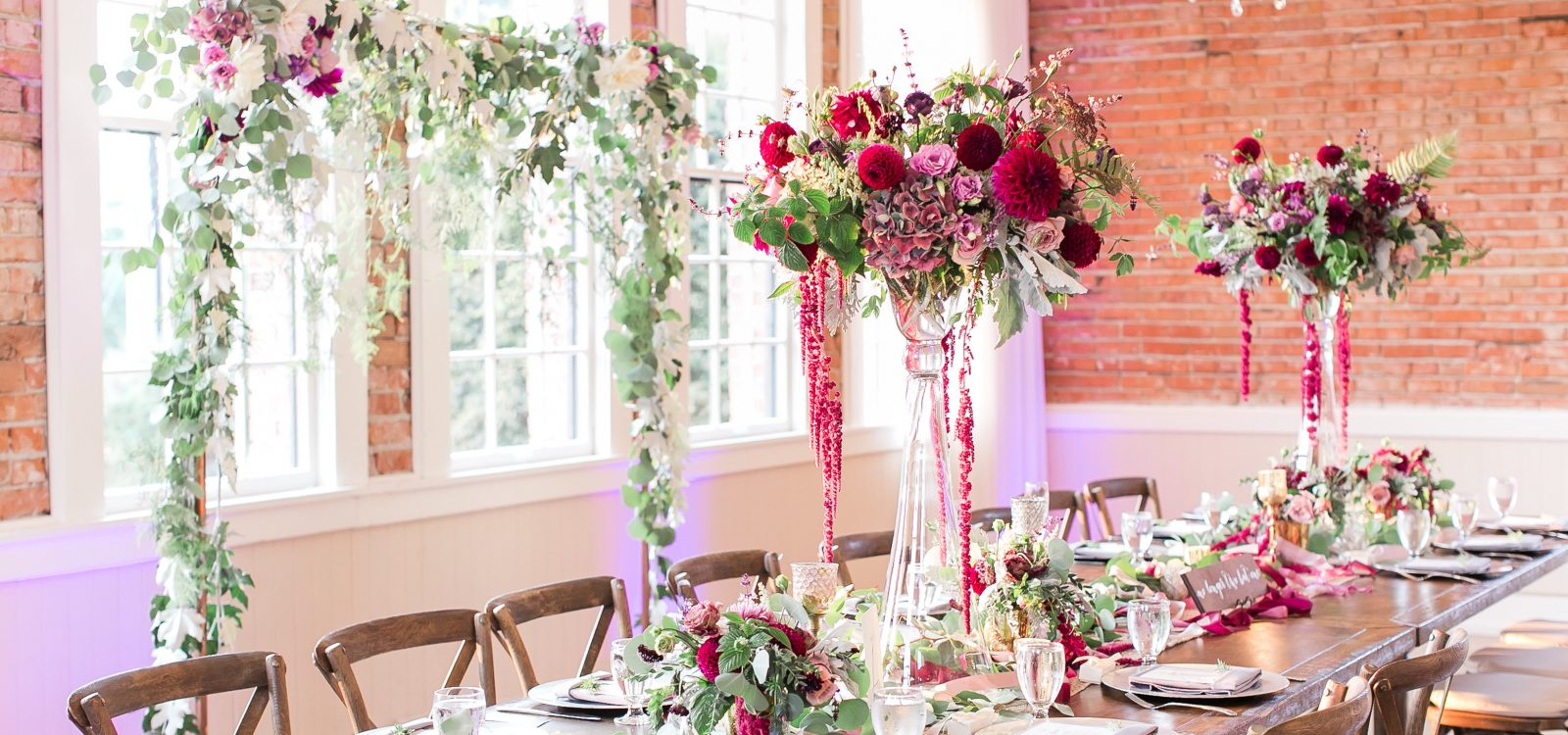 Hollywood Schoolhouse Woodinville wedding flowers by Tobey Nelson Events image by Lloyd Photography (1)