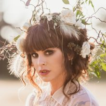 Floral headpiece by Tobey Nelson Events | image by Suzanne Rothmeyer Photography