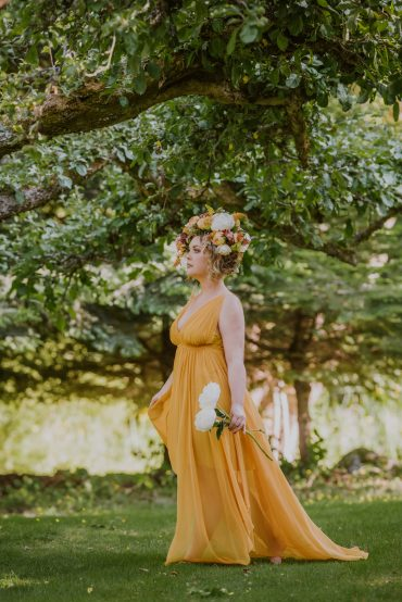 You are a Goddess | Floral Couture by Tobey Nelson Events | image by Suzanne Rothmeyer Photography
