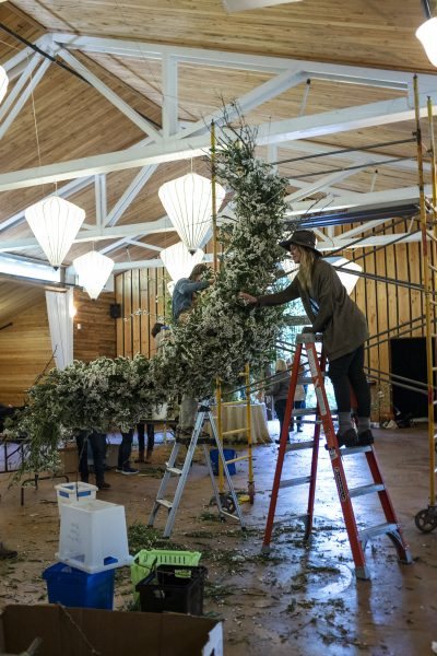 Collaborating on large scale foam free floral installation at Whidbey Flower Workshop 2018