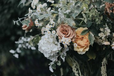 San Juan Island wedding flowers by Tobey Nelson | photography by Sullivan & Sullivan