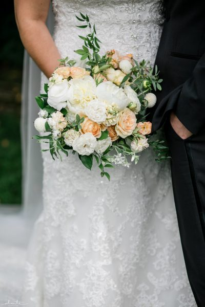 White, yellow and blush bridal bouquet with eco-friendly flowers | Seattle Wedding at Sodo Park | Floral and Event design by Tobey Nelson | image by Alante Photography