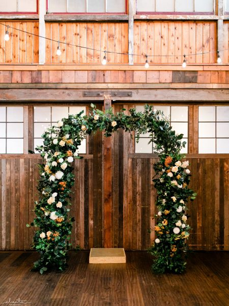 Foam-free ceremony arbor | Seattle Wedding at Sodo Park | Floral and Event design by Tobey Nelson | image by Alante Photography