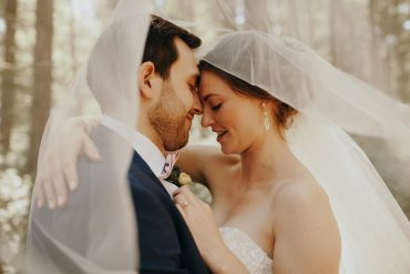 romantic summer wedding at Fireseed Catering on Whidbey Island   photography by Jordan Voth