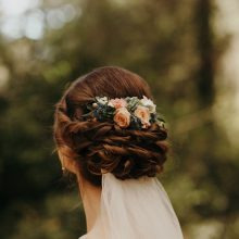 Romantic floral hairpiece by Tobey Nelson Events | Hair by Anne Timss | photo by Jordan Voth