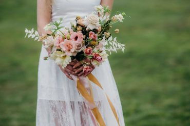 Wedding flowers Bridal bouquet in buff biscuit blush and mustard | Tobey Nelson Events | Suzanne Rothmeyer Photography