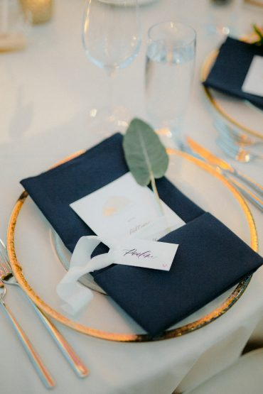 wedding place setting details | calligraphy by Krisanna Elizabeth