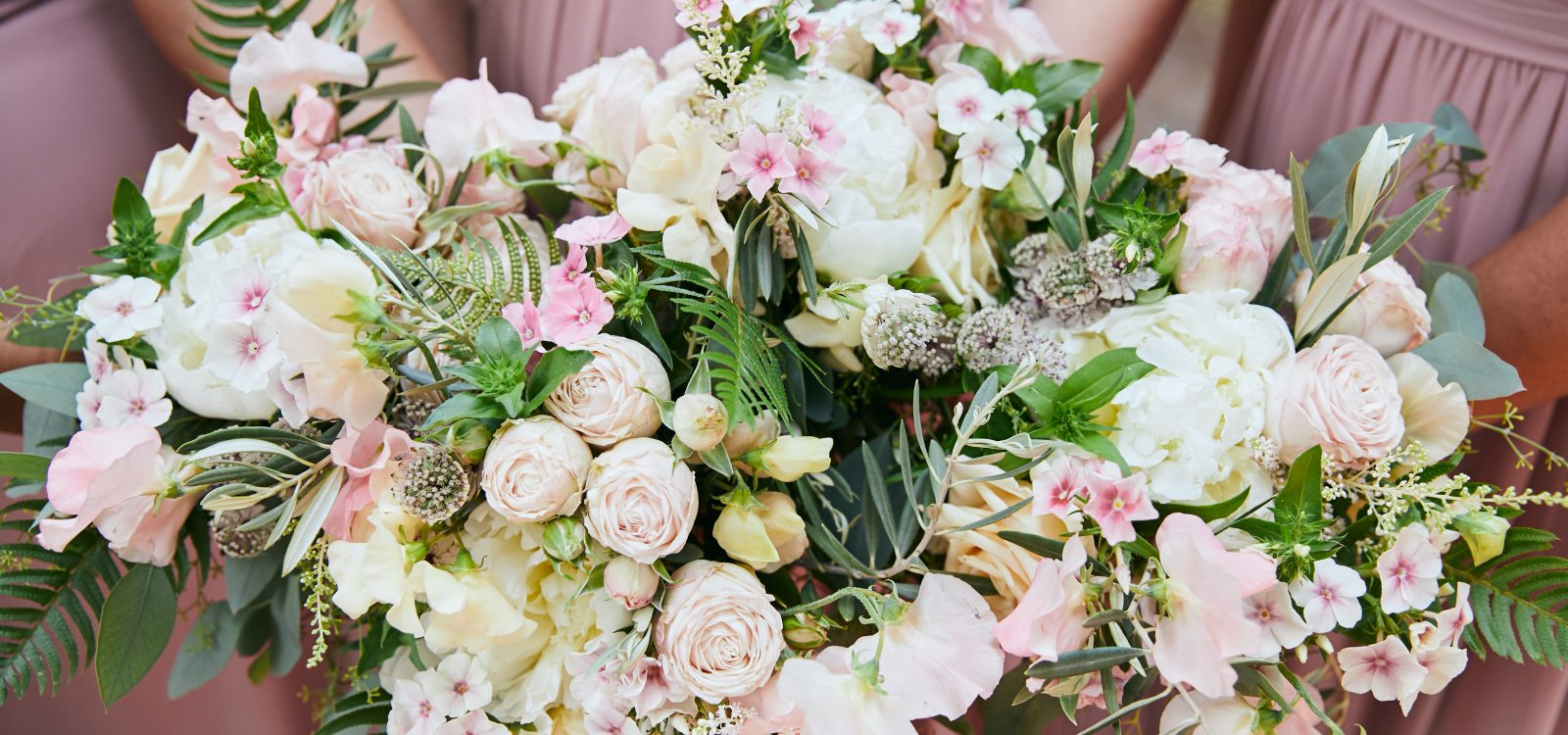 Whidbey Island Wedding Flowers at Fireseed Catering by Tobey Nelson Events image by Clara Ganey Photography (9)