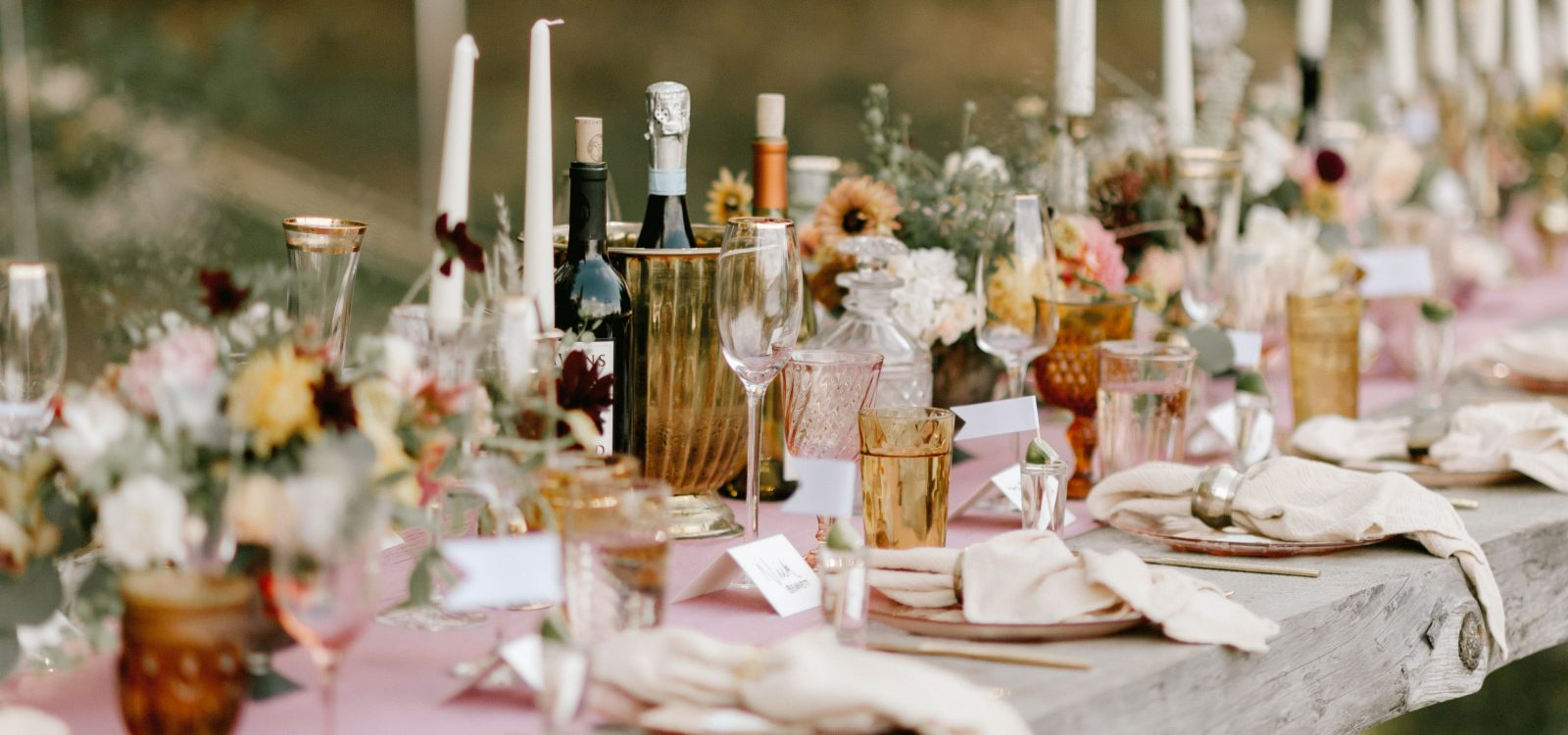 Whidbey Island backyard wedding flowers by Tobey Nelson Events image by Carina Skrobecki Photography (63)