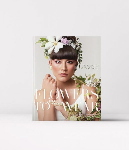front cover of Flowers to Wear book
